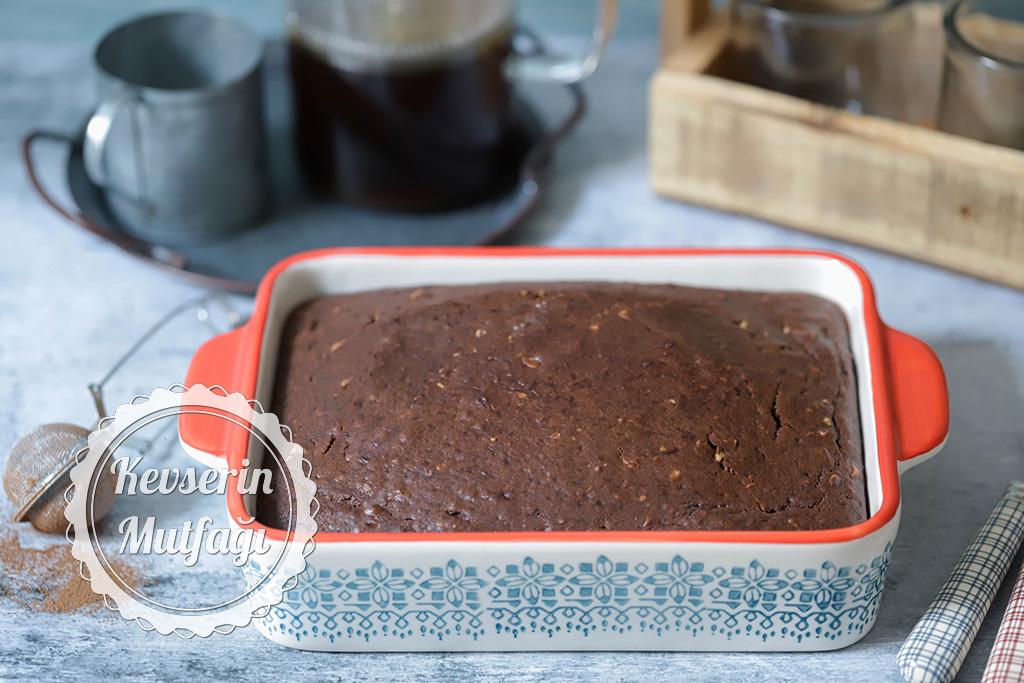 Kakaolu Fındıklı Islak Kek