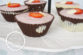 Çikolata Kasesinde Çilekli Muhallebi