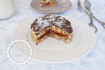 Marmelat Dolgulu Halleyli Pasta Tarifi