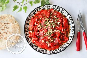 Kekikli Kırmızı Biber Salatası Tarifi