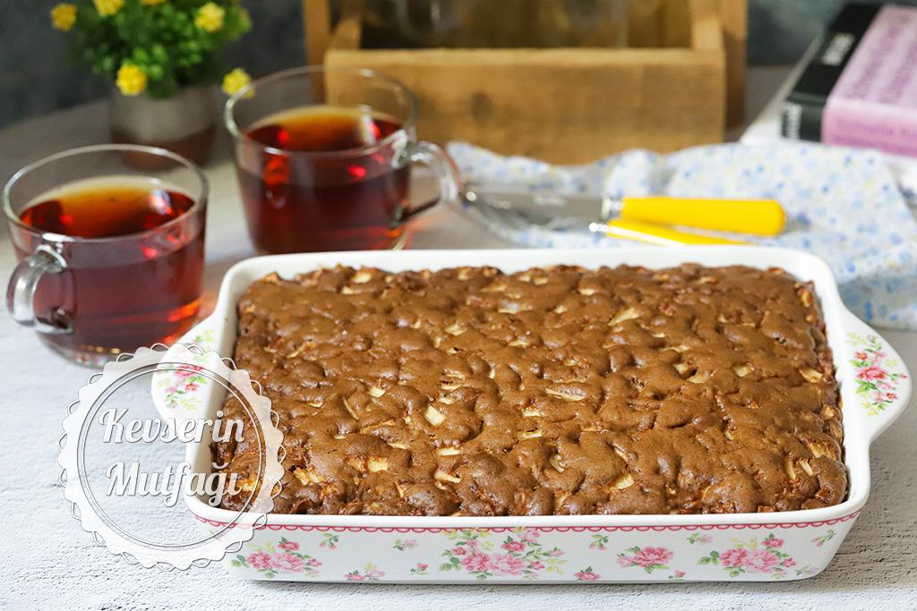Elmalı & Tarçınlı Islak Kek Tarifi