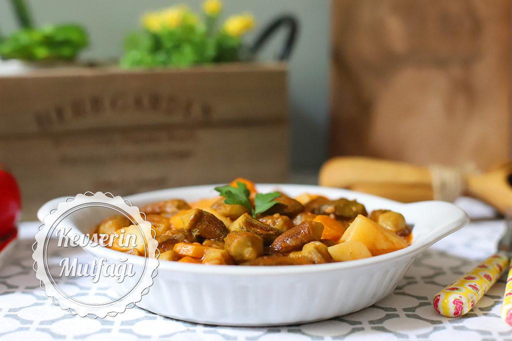Patatesli Bamya Yemeği