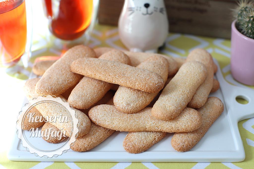 Biscotti Savoiardi (Kedi Dili Bisküvi) Tarifi