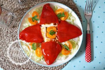 Hellim Peynirli Kırmızı Biber Bohçası Tarifi