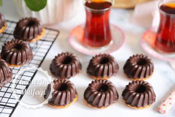 Çikolata Kaplı Karadutlu Muffin