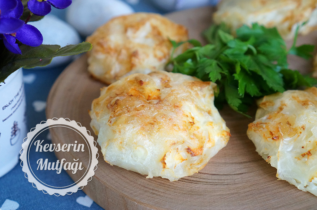 Peynirli Güllaç Böreği Tarifi