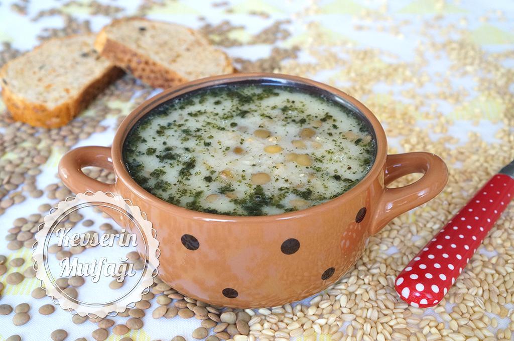 Buğdaylı Yeşil Mercimek Çorbası Tarifi