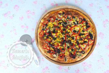 Karışık Pizza (Videolu Tarif)