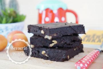 Unsuz Şekersiz Brownie (Videolu Tarif)