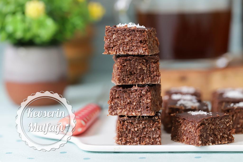 Hindistan Cevizli Çikolata Dilimleri Tarifi