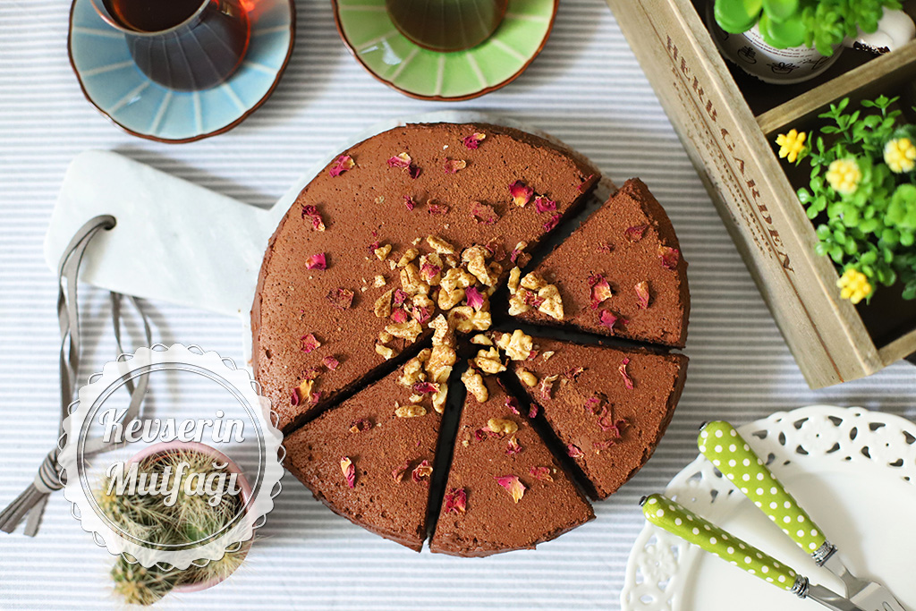 Çikolatalı Vegan Pasta Tarifi