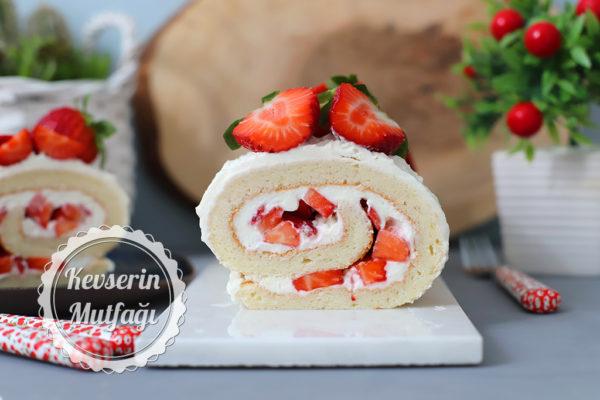 Çilekli Rulo Pasta (Videolu Tarif)