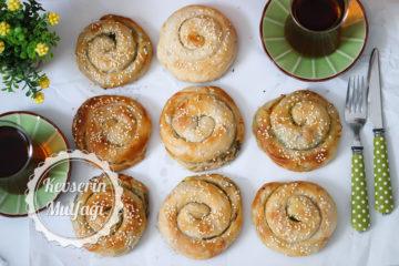 El Açması Ispanaklı Gül Böreği Tarifi